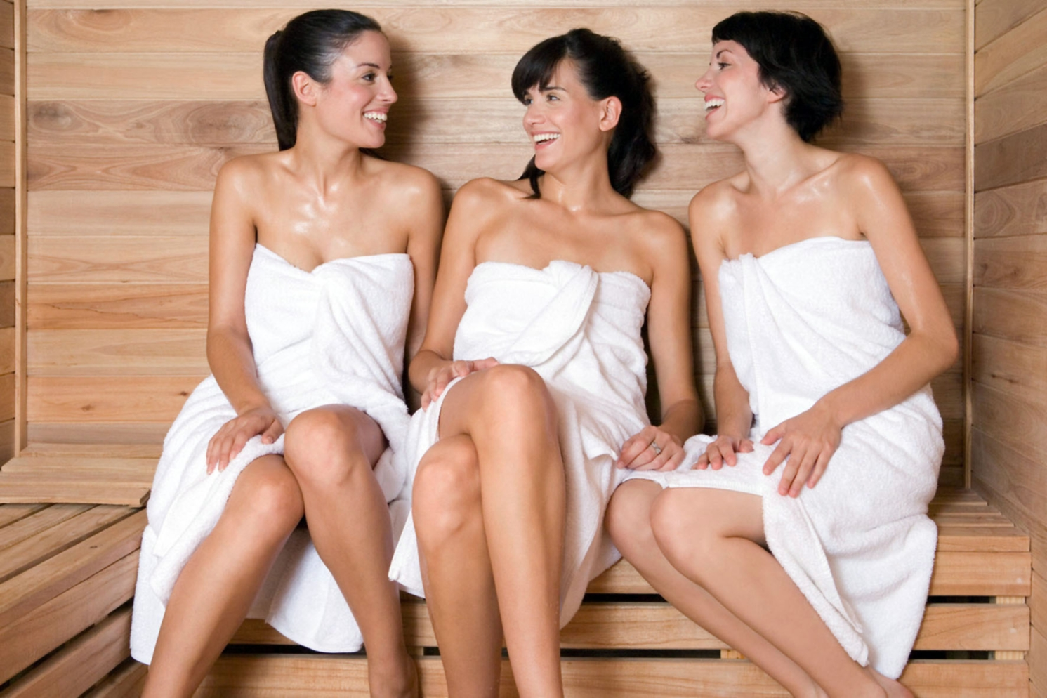 С друзьями и женой в бане 19 фотография